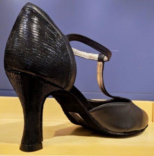 Højhælet sko med lukket snude