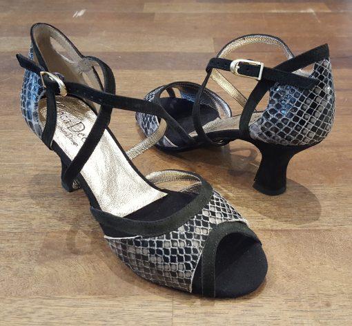 Flora Brune sandaler i ' slangeskind '
