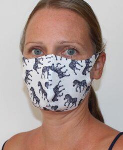 mundbind hvidt med zebra forfra-