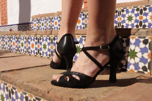 Sorte højhælede sko
